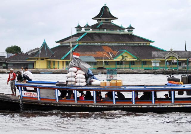 Rindu Masjid Jami Sultan Syarif Abdurrahman Tertua Pontianak Arah Sungai