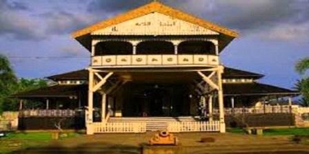 Wisata Kalimantan Barat Home Kartikacandra Istana Kesultanan Kadariah Pontianak Alamat
