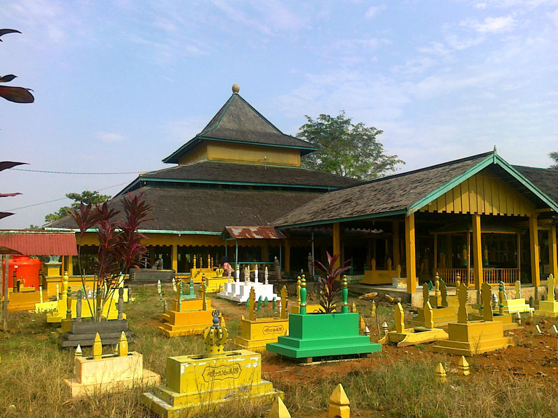 Wisata Kota Pontianak Wonderful Indonesia Tempat Kompleks Pemakaman Tujuh Sultan