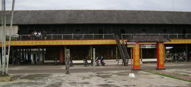 Rumah Betang Pontianak Kalimantan Barat Wisata Kolam Renang Jc Oevang