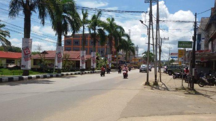Tag Libur Lintas Jalan Ahmad Yani Sanggau Terpantau Sepi Hari