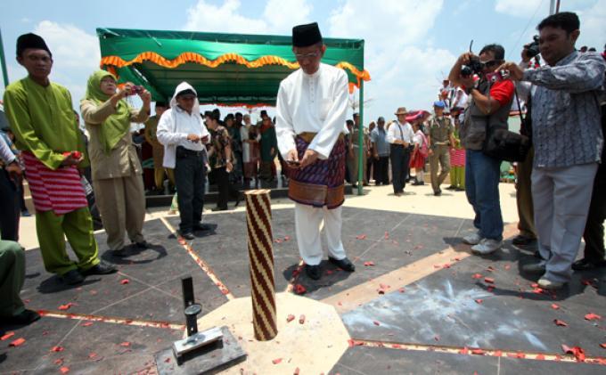 Titik Kulminasi Tugu Khatulistiwa Pontianak Kalimantan Barat Sutarmidji Forokulminasi Kolam