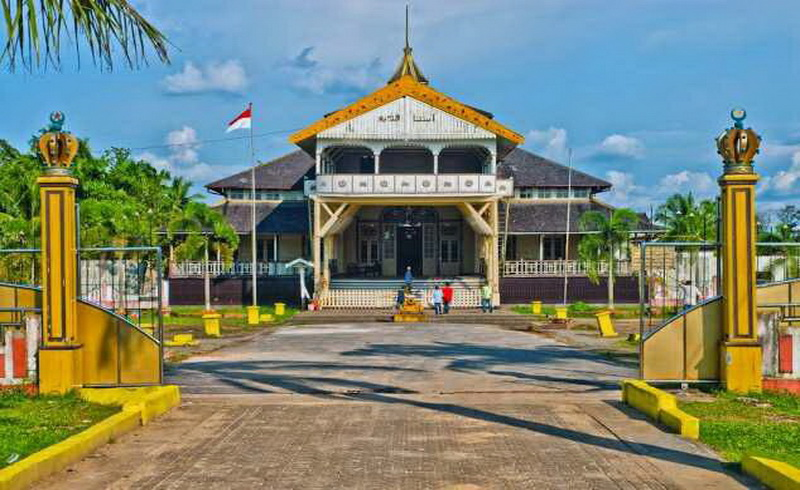 10 Tempat Bersejarah Dikunjungi Pontianak Okezone Https Img Okeinfo Net