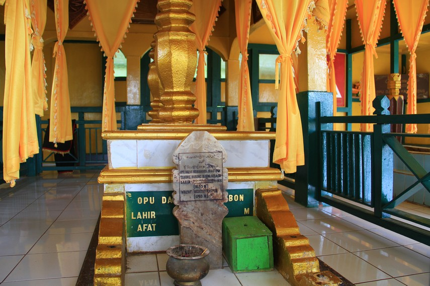 30 Tempat Wisata Populer Pontianak Vebma Makam Opu Daeng Manambon