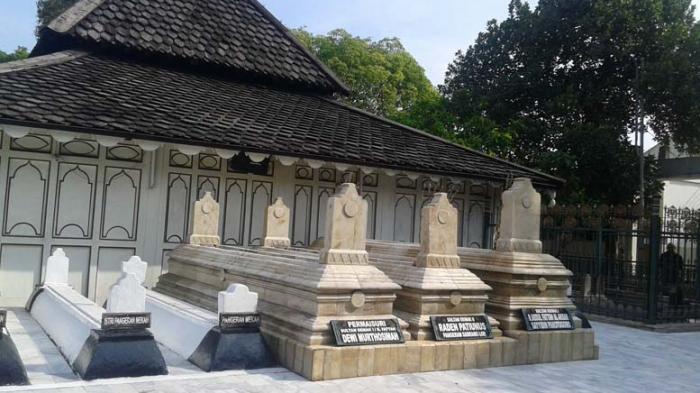 Foto Tiang Masjid Demak Buatan Sunan Kalijaga Tribun Pontianak Makam
