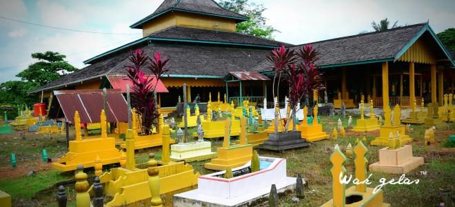 Makam Raja Batu Layang Pontianak Kalimantan Barat Wisata Kesultanan Kab