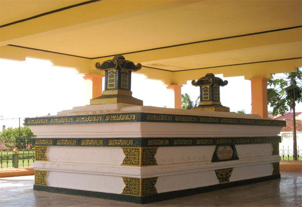 Makam Sultan Iskandar Muda Indonesian Heritage Kesultanan Pontianak Kab
