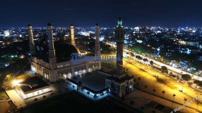 Jokowi Sembilan Kunjungi Kalbar Keindahan Masjid Mujahidin Malam Hari Jalan
