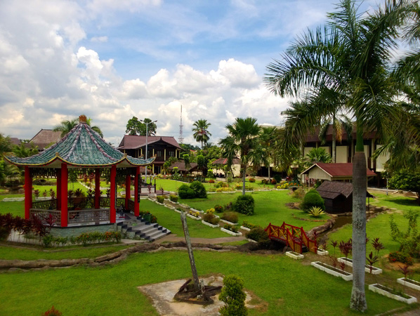 Museum Kalimantan Barat Menyimpan Alat Tenun Hingga Perdukunan Gazebo Area