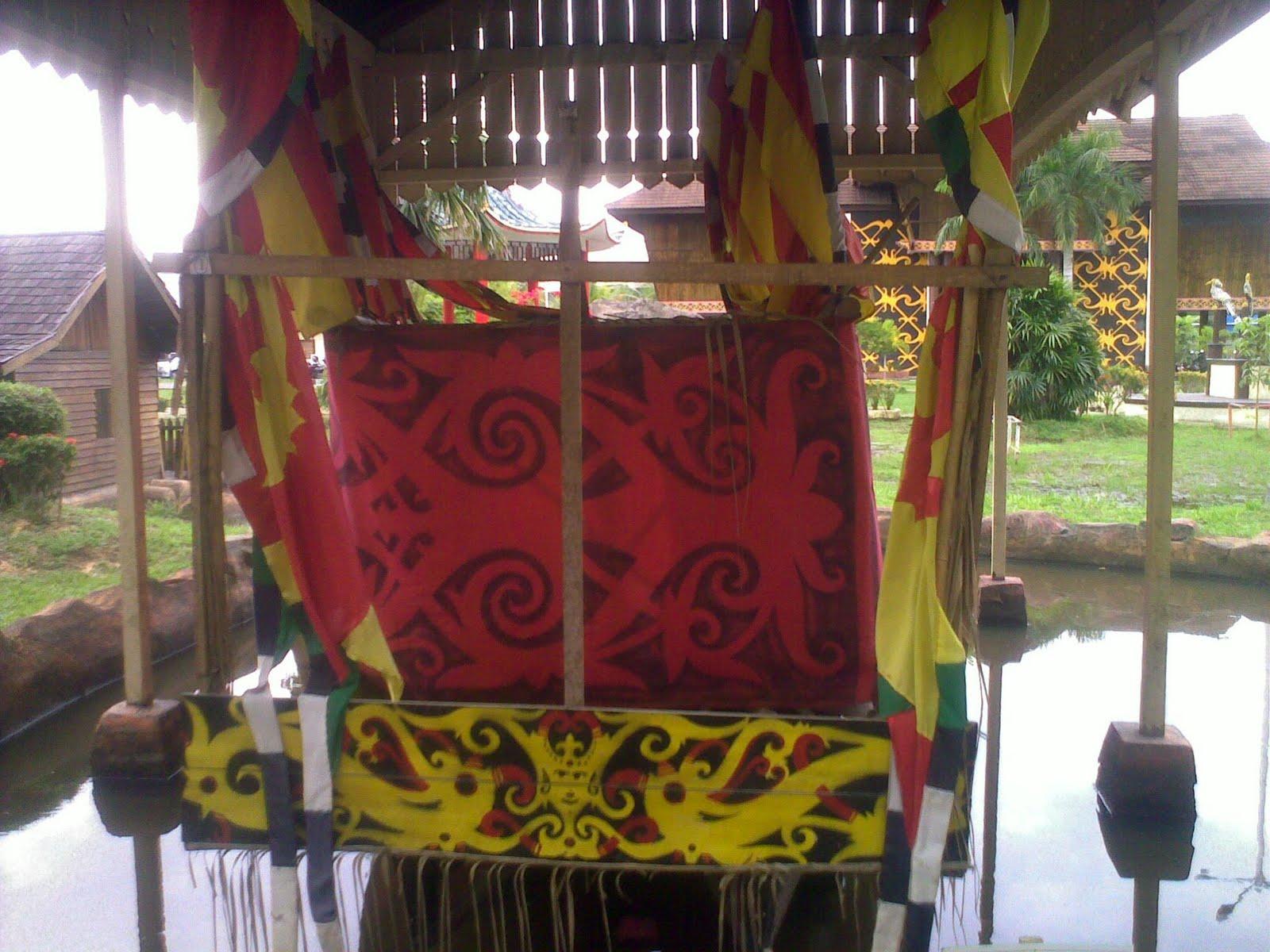 Pecidasase 2011 Satu Diantara Budaya Penduduk Asli Kalbar Dayak Perahu