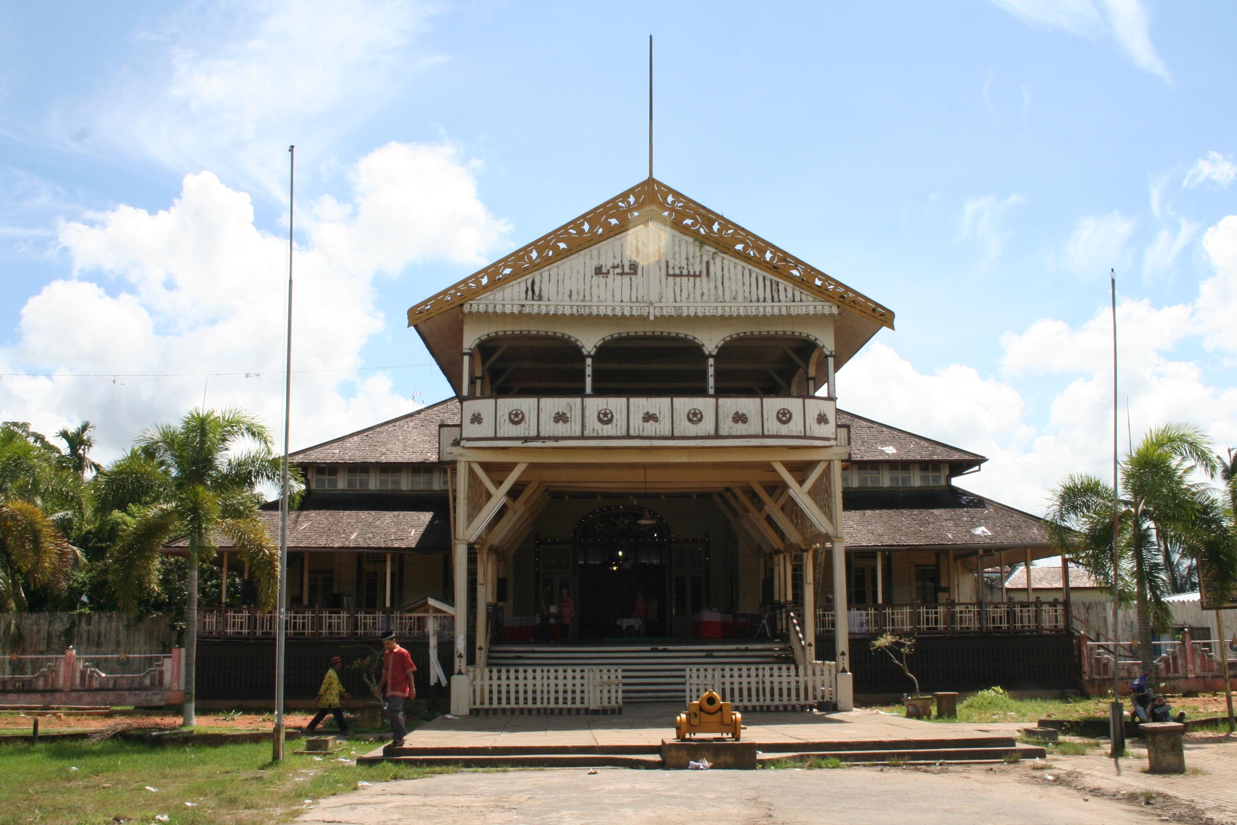 15 Tempat Wisata Kalimantan Barat Aiyepers 2016 2017 Istana Kesultanan