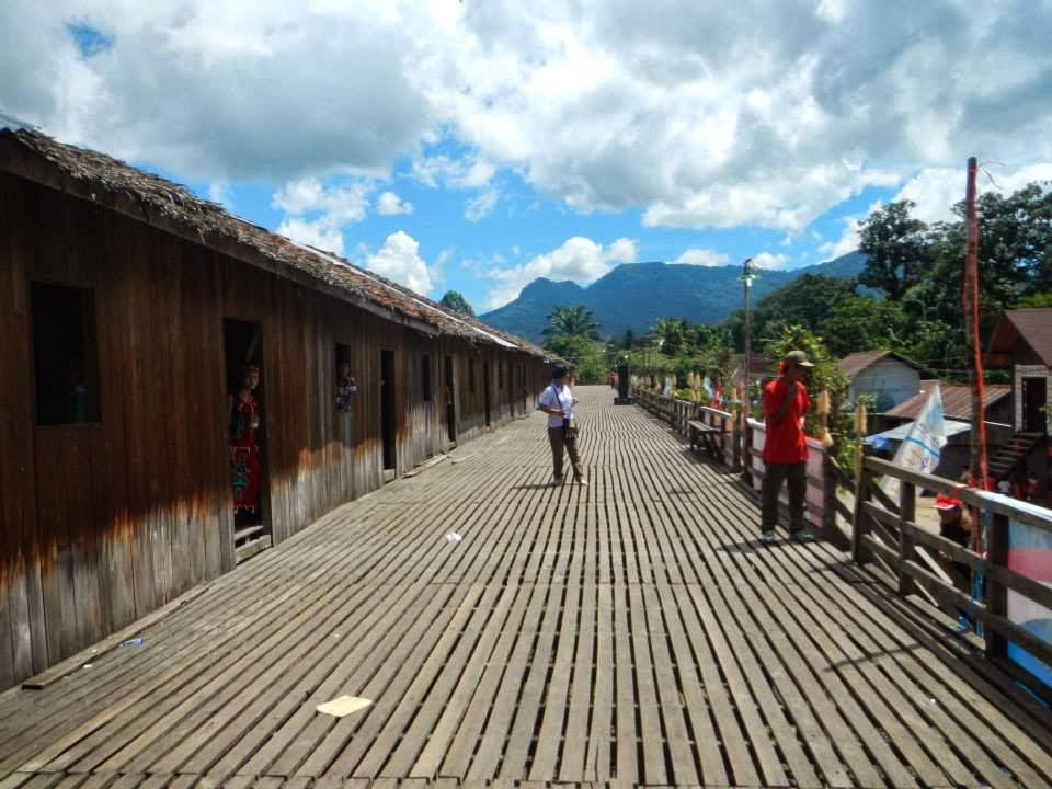 Radakng Sahapm Situs Terakhir Rumah Adat Dayak Kanayatn Voice Betang