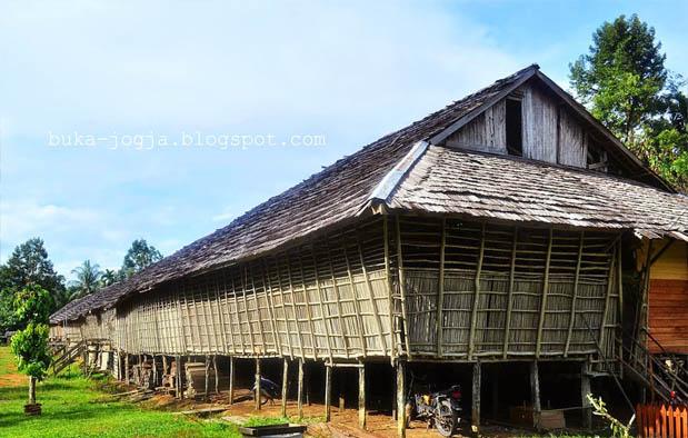 Rumah Adat Kalimantan Barat Nama Gambar Penjelasannya Betang Radakng Kab