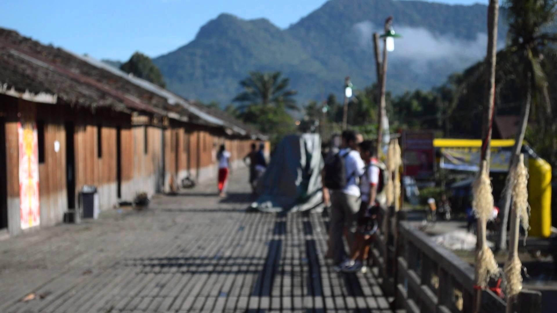 Rumah Betang Suku Dayak Kec Sengah Temila Youtube Radakng Kab