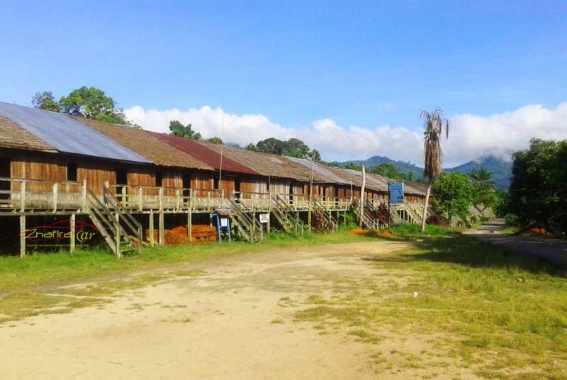 Rumah Panjang Tradisional Suku Dayak Saham Kab Landak Kalimantan Barat