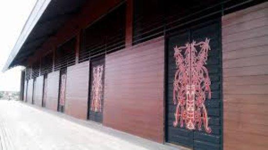 Rumah Radakng Picture Pontianak Tripadvisor Images 1 Large Jpg Betang