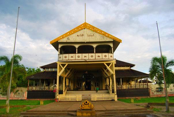 Rumah Radakng Pontianak Kalimantan Barat Wisata Keraton Kesultanan Kadariyah Betang