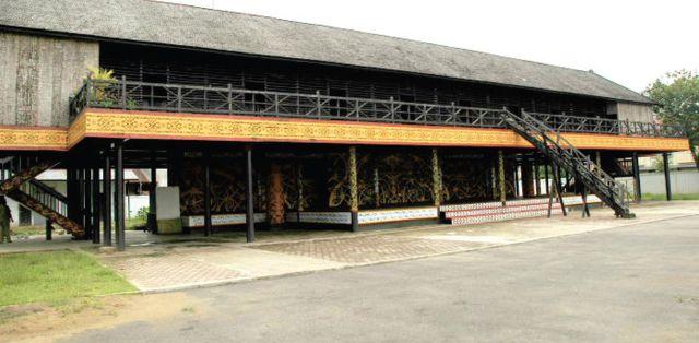 Rumah Radakng Wikipedia Bahasa Indonesia Ensiklopedia Bebas Betang Kab Pontianak