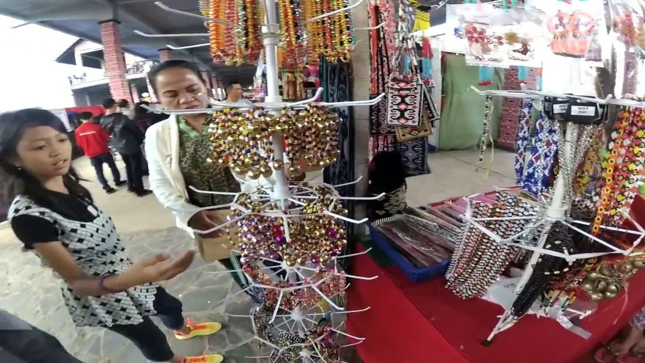 Suasana Acara Pekan Gawai Dayak 32 Rumah Radakng Pontianak Kalimantan