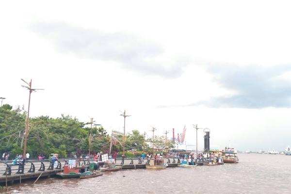 Alun Kapuas Pilihan Liburan Warga Kota Pontianak Taman Kab