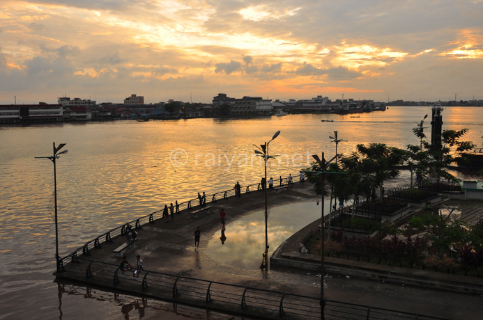 Berlibur Kota Hantu Travel Photography Alun Sungai Kapuas Pontianak Taman
