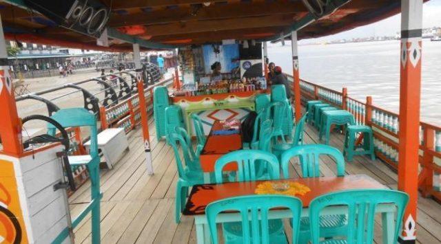 Depan Korem Wisata Favorit Warga Pontianak Thetanjungpuratimes Kapal Alun Kapuas