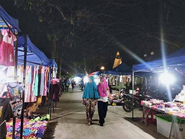 Pedagang Kecil Dukung Kebijakan Sutarmidji Kalbaronline Suasana Malam Taman Akcaya