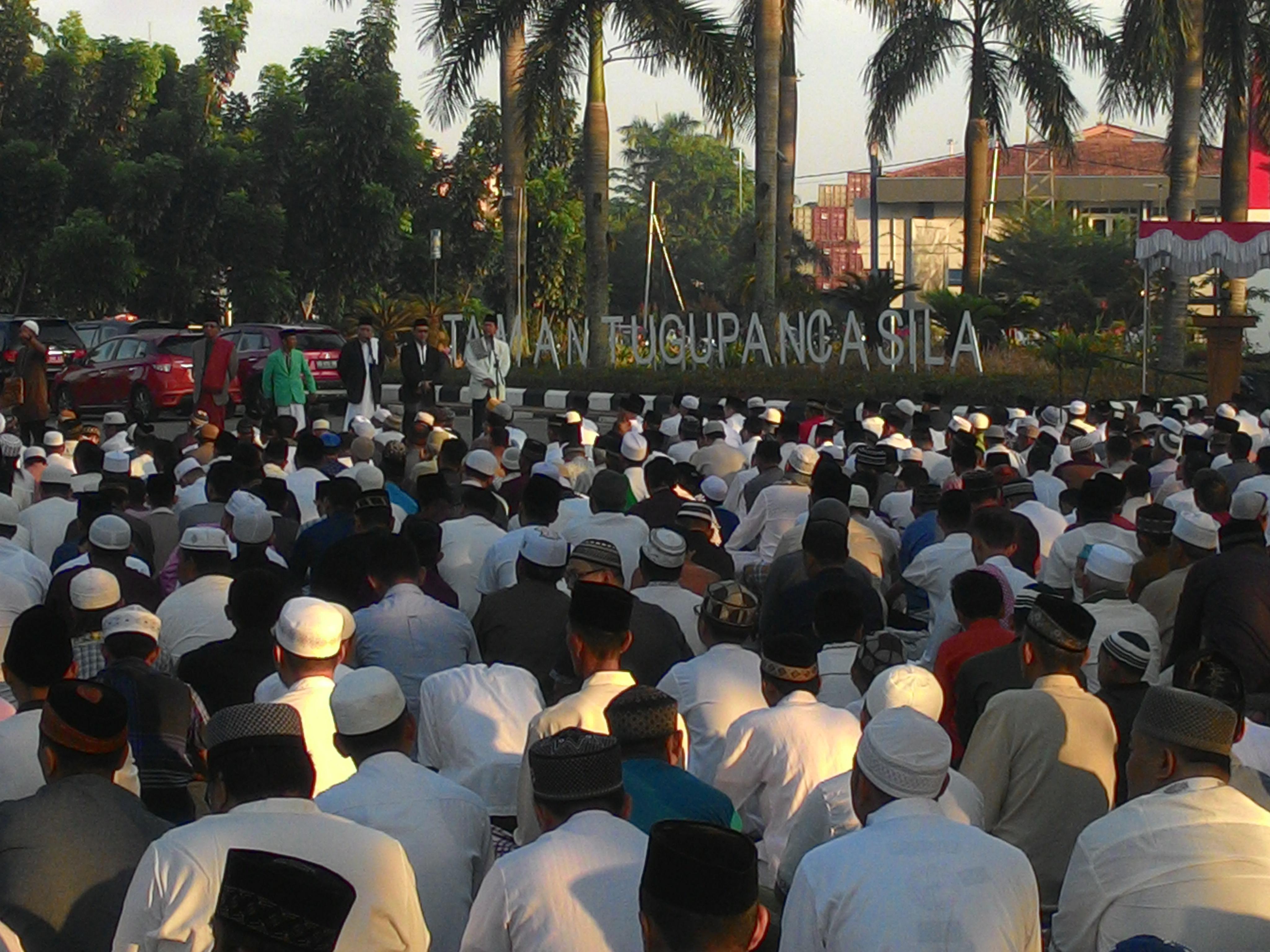 Suasana Sholat Idul Fitri Taman Alun Kapuas Muhammad Foto Walikota