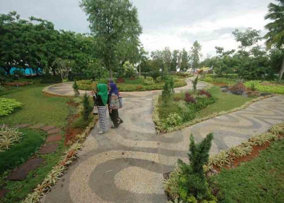 Taman Alun Kapuas Buka Kembali Pontianak Post Tertib Dibuka Umum