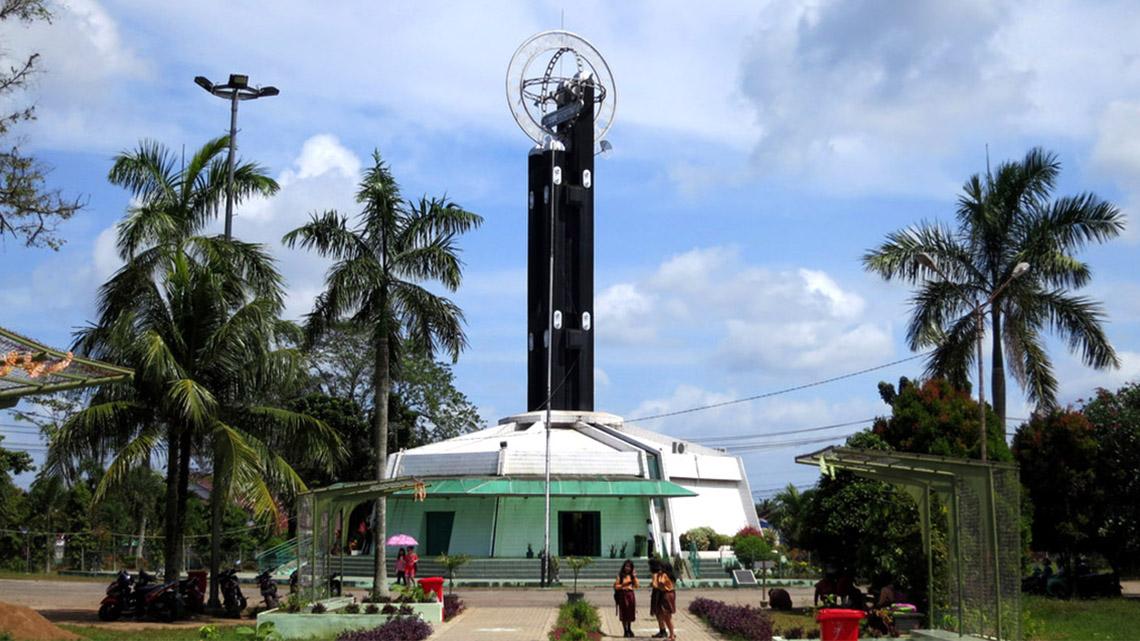 Titik Nol Tugu Khatulistiwa Wisata Bayangan Wn Tuguequator Kab Pontianak