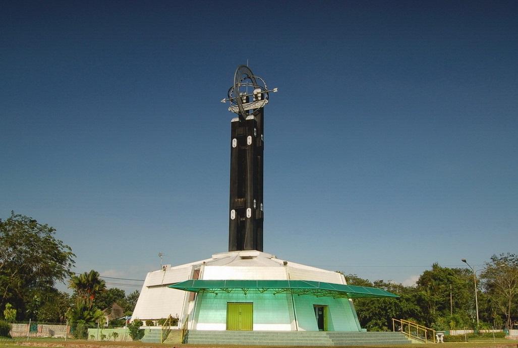 Tugu Khatulistiwa Pontianak Satumandau Equator Monument Berada Jalan Utara Kota