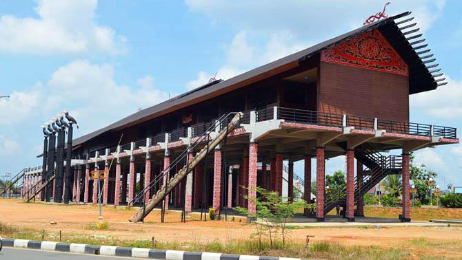 Kalimantan Barat Tempat Wisata Pontianak Replika Rumah Adat Dayak Bangunan
