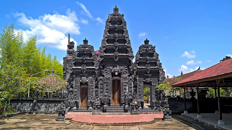 Religious Places Indonesia Mosques Churches Pura Giripati Mulawarman Jl Adi