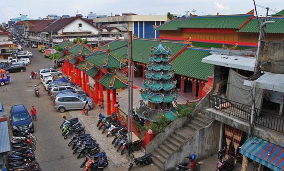 Suara Pemred Kelenteng Tiga Kota Pontianak Simbol Sakral Tionghoa Vihara