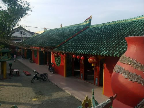 Tempat Wisata Pontianak Menarik Dikunjungi Info Vihara Bodhissatva Karaniya Metta