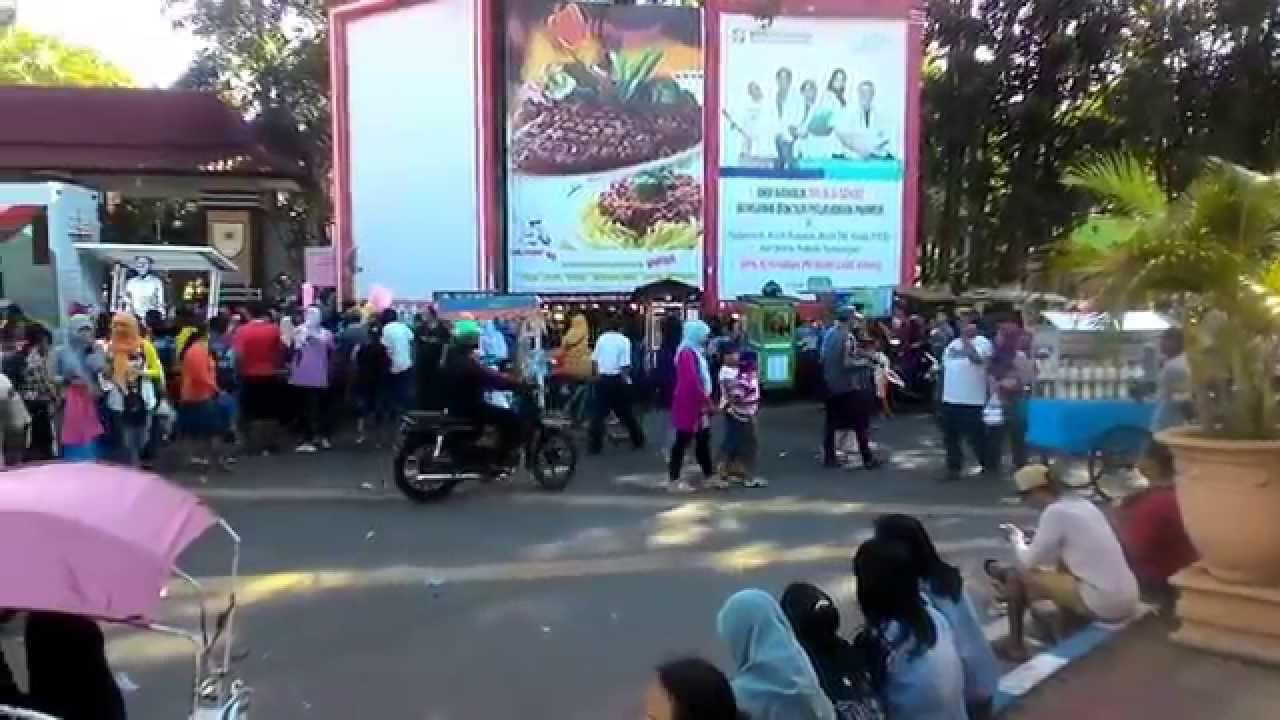 Wisata Kuliner Probolinggo Pasar Minggu Youtube Alun Kab