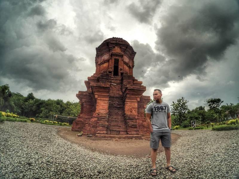 8 Tempat Wisata Probolinggo Tak Buatmu Bosan Ngadem Candi Jabung