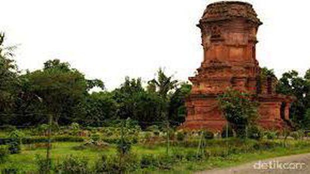 Candi Jabung Peninggalan Kuno Majapahit Probolinggo Bata Merah Rofiq Detiktravel
