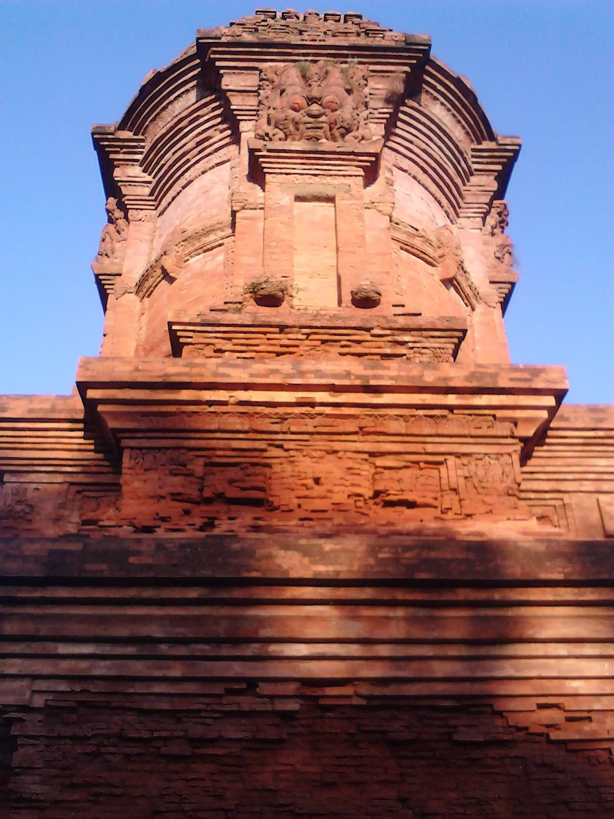 Serbi Hindu Buddha Candi Jabung Probolinggo Kab