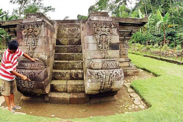 Candi Kedaton Probolinggo Berita Kawasan Bromo Terkini Tempat Bertapanya Dewi