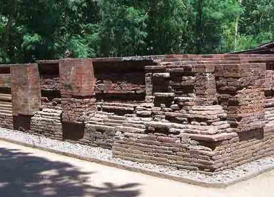 Candi Kedaton Sumur Upas Situs Peninggalan Majapahit Mojokerto Dua Berada