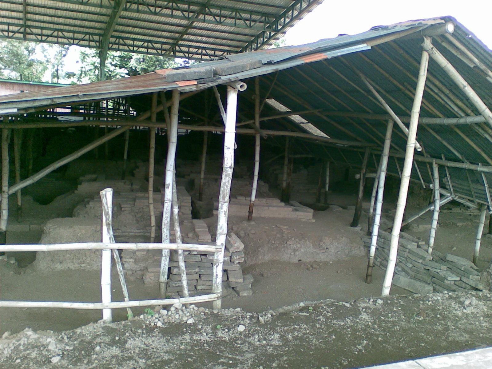 Petualangan Ali Topan Candi Kedaton Bekas Pemukiman Majapahit Komplek Reruntuhan