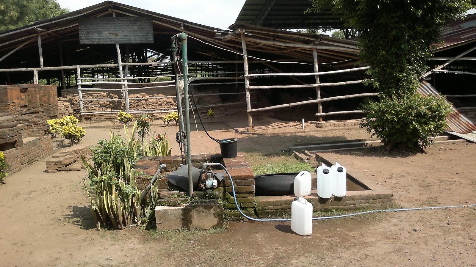 Petualangan Ali Topan Candi Kedaton Bekas Pemukiman Majapahit Sumur Upas