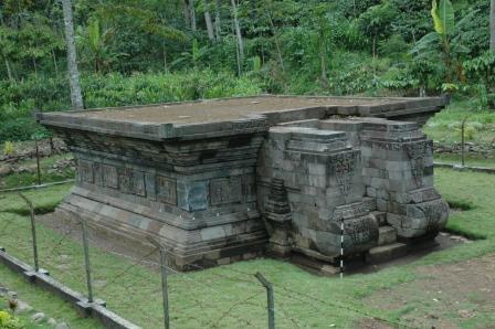Relief Cerita Candi Kedaton Arjunawiwaha Balai Terbuat Batu Pasir Sand