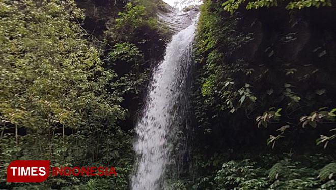 Menikmati Sensasi Air Terjun Darungan Lereng Gunung Argopuro Guyangan Desa