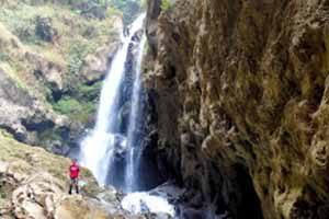 31 Tempat Wisata Probolinggo Wajib Dikunjungi 6 Curug Watu Lawang