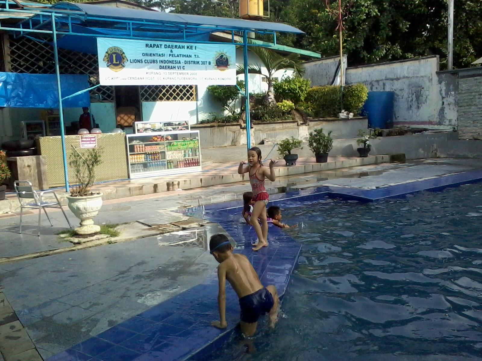 Kolam Renang Wiraksakti Kupang Ntt Haidi Barasa 2014 02 09