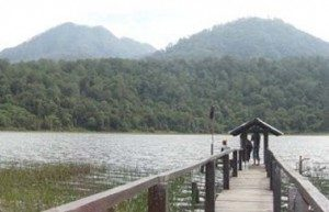 Nining Kristiningsih Taman Hidup4 300x193 Kolam Renang Tra Rekreasi Anak