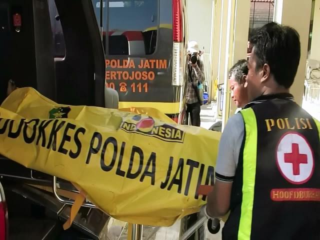 Pojok Pitu Empat Jenasah Pelaku Bom Polrestabes Dibawa Rs Bhayangkara