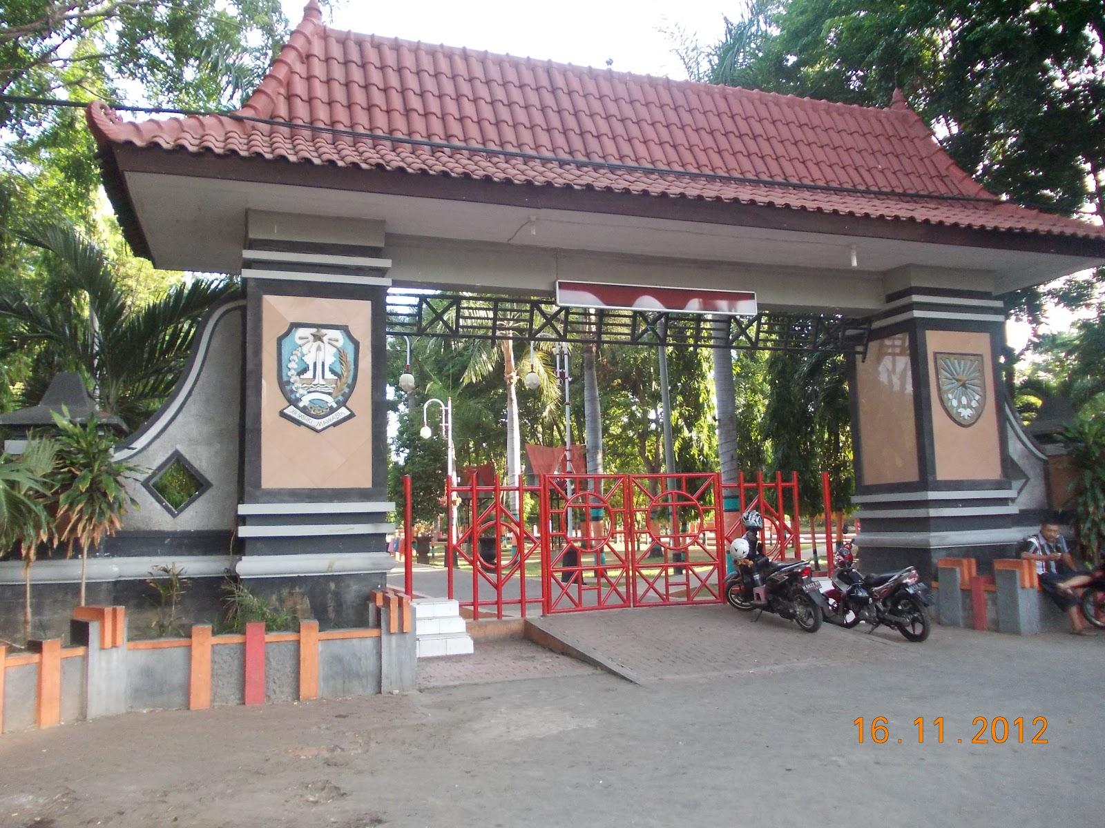 Probolinggo Home Mempunyai Alun Letaknya Tepat Dijantung Kota Biasanya Penduduk